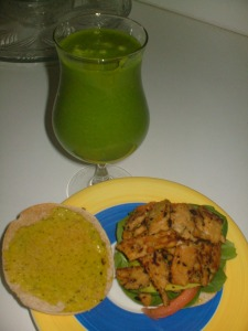 Tempeh sandwich and green smoothie